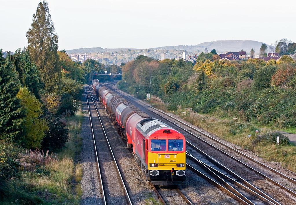 60044, 03.45 Robeston Sidings-Westerleigh Murco, Llanwern West Junction, 20-10-15.