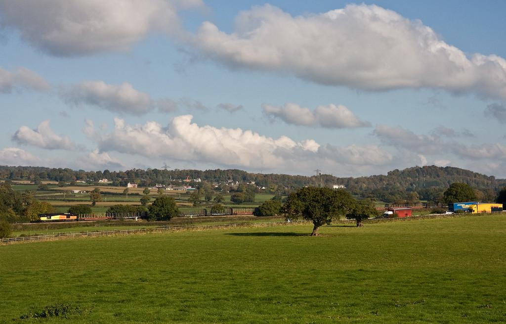 60096, 05.35 Chirk Kronospan-Exeter Riverside Yard, Pugham Crossing, near Burlescombe, 14-10-15.