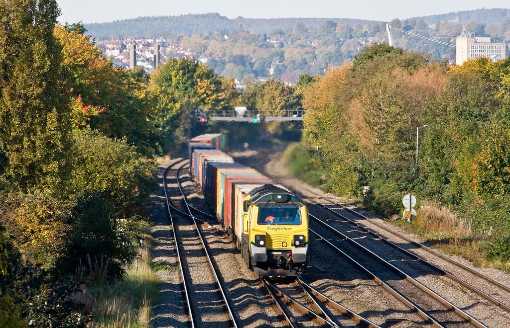 70016, 09.50 Cardiff Wentloog-Southampton Maritime, Llanwern West Junction, 20-10-15.