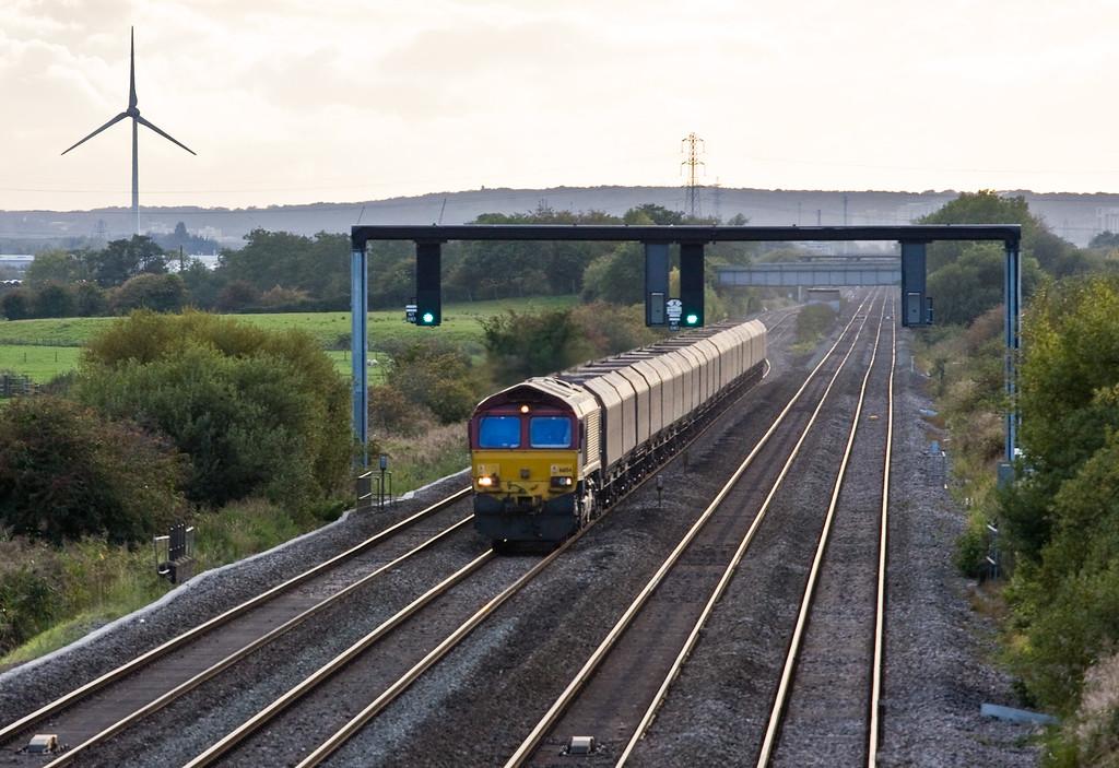 66154, 14.50 Aberthaw Power Station-East Usk Junction Yard, Coedkernow, near Newport, 8-10-15.