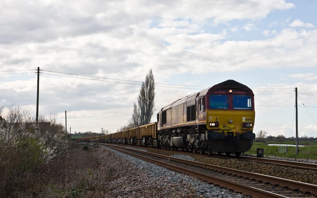 66093, 13.48 Bristol North Somerset Junction-Westbury, Oath, near Langport, 5-4-16.