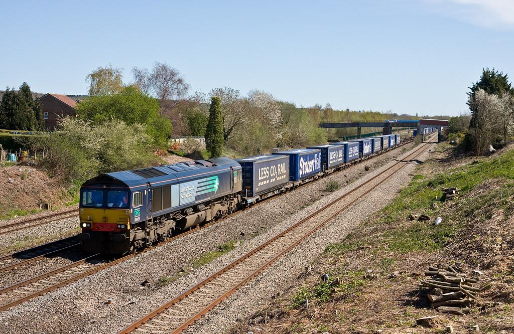 66425, 08.20 Daventry-Cardiff Wentloog, Undy, near Severn Tunnel Junction, 20-4-16.
