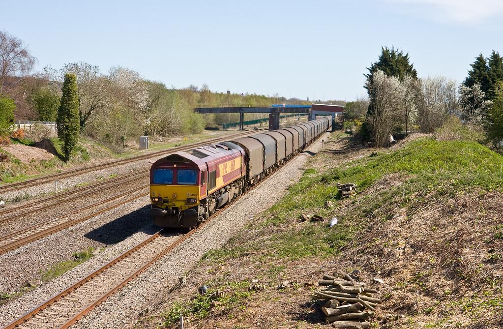 66019, 09.16 Round Oak-Margam, Undy, near Severn Tunnel Junction, 20-4-16.