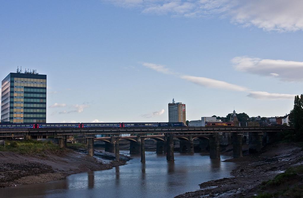 66116, 18.58 Newport Alexandar Dock Junction Yard-Didcot Yard, Usk Bridge, Newport, 9-8-16. HST, 17.15 London Paddington-Carmarthen.