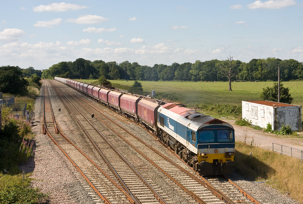 59103, 11.00 Merehead Quarry-Theale Foster Yeoman, departing Woodborough Loops, near Pewsey, 30-8-16.