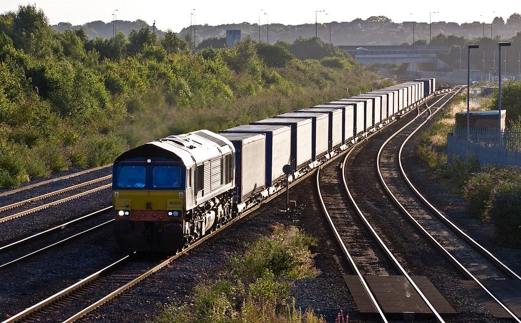 66304, 18.50 Cardiff Wentloog-Daventry Railfreight Terminal, Severn Tunnel Junction, 9-8-16.