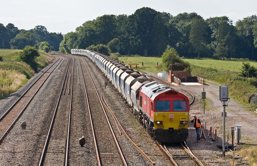 59204, 13.30 Whatley Quarry-Dagenham Dock, Woodborough Loops, near Pewsey, 30-8-16.