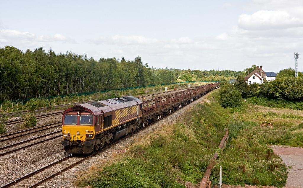66024, 10.22 Corby-Margam Yard, Undy, near Severn Tunnel Junction, 9-8-16.