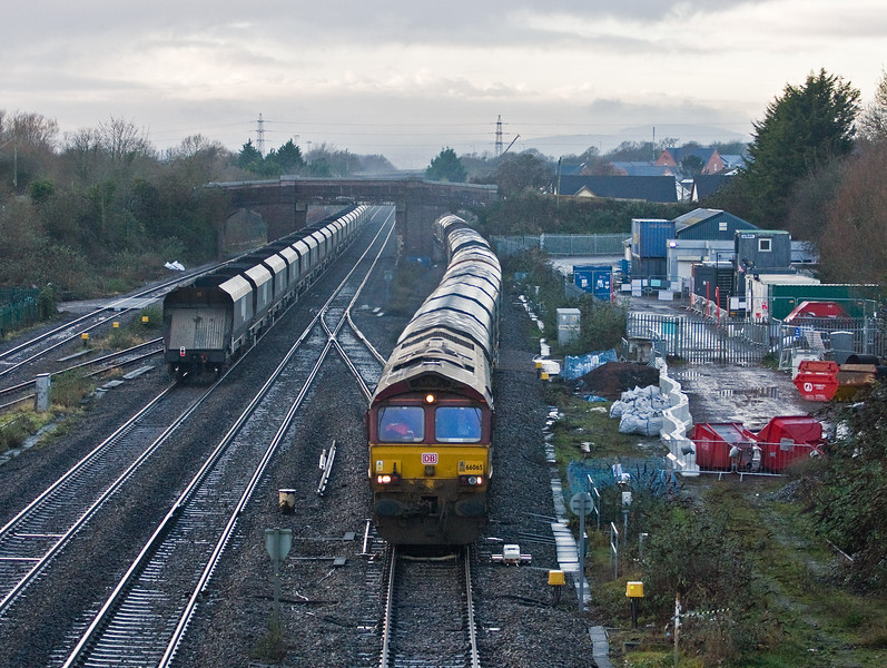 66065, 14.54 Llanwern Exchange Sidings-Round Oak, Magor, 22-12-16. 66957, 14.25 Avonmouth Bulk Handling Terminal- Fifoots Point Power Station, Magor, 22-12-16.