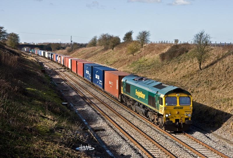 66566, 09.55 Cardiff Wentloog-Southampton Maritime, Bourton, near Swindon, 18-2-16.