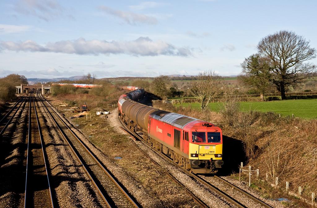 60019, 03.30 Robeston Sidings-Westerleigh, Llandevenny, near Llanwern, 10-2-16.