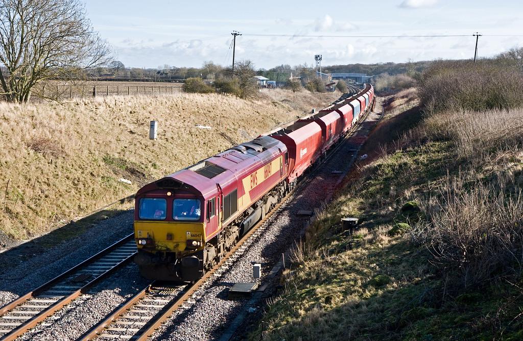 66047, 08.44 Wembley European Freight Operations Centre-Cardiff Docks Ryans, Bourton, near Swindon, 18-2-16.