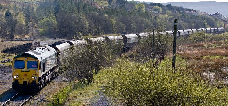 66564, 13.50 Bristol Stoke Gifford Yard-Onllwyn Washery, arriving at Onllwyn, 4-5-16.