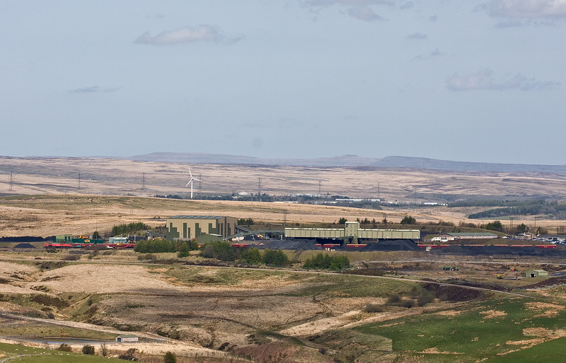 66118, loading 14.45 Cwmbargoed Opencast Colliery-Port Talbot Grange Sidings, Bedlinog, near Merthyr Tydfil, 4-5-16.