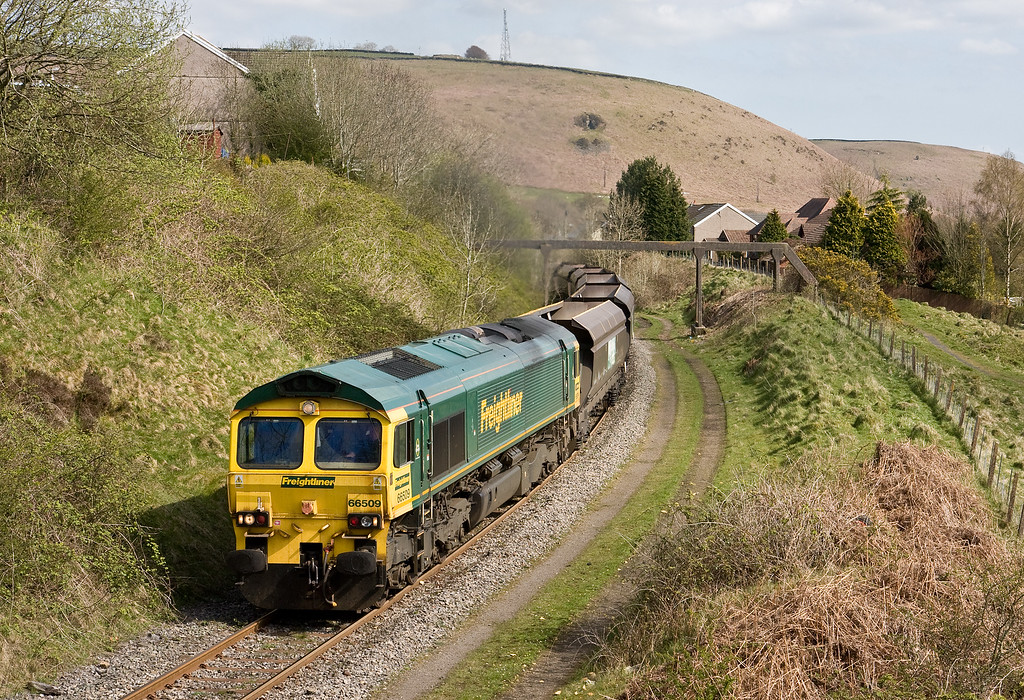 66509, 13.05 Aberthaw Power Station-Cwmbargoed Opencast Colliery, Bedlinog, near Nelson, 4-5-16.