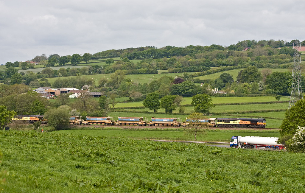 66848/66847, 05.45 Truro Penwithers Junction-Westbury Yard, Pugham Crossing, near Burlescombe, 19-5-16.