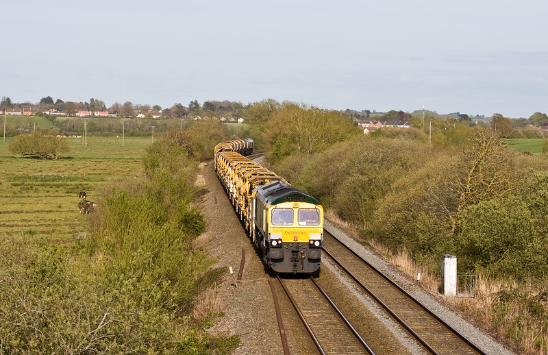 66551/66416, 17.50 Taunton Fairwater Yard-Amberley (West Sussex), Wick, near Langport, 3-5-16.