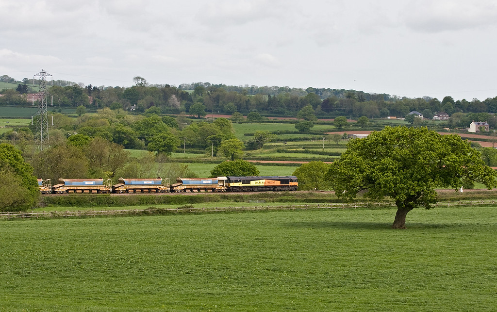 66848/66847, top-and-tail 05.45 Truro Penwithers Junction-Westbury Yard, Pugham Crossing, near Burlescombe, 19-5-16.