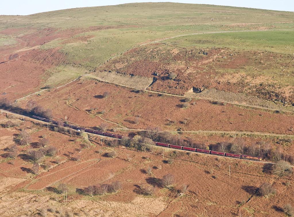 66069, 10.39 Cwmbargoed Opencast Colliery-Port Talbot Grange Sidings, between Cwmbargoed and Bedlinog, 28-11-16.
