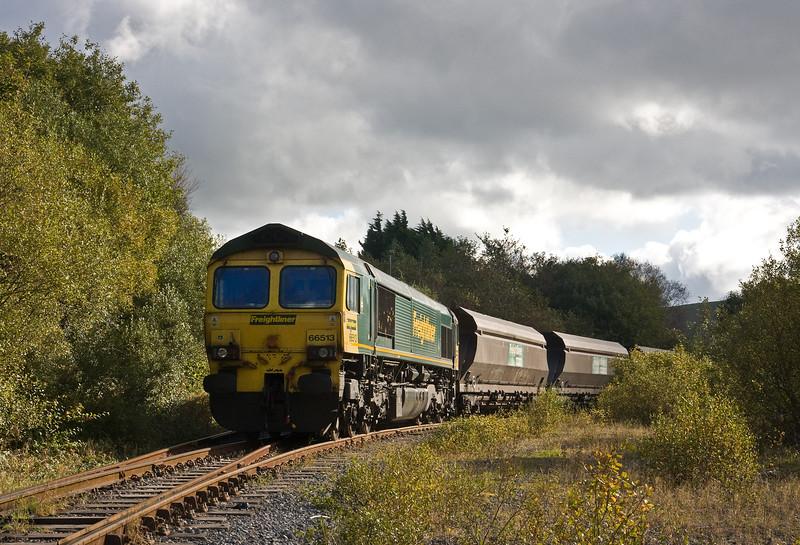 66513, loading 13.30 Gwaun cae Gurwen Opencast Colliery-Aberthaw Power Station, Gwaun cae Gurwen, 12-10-16.