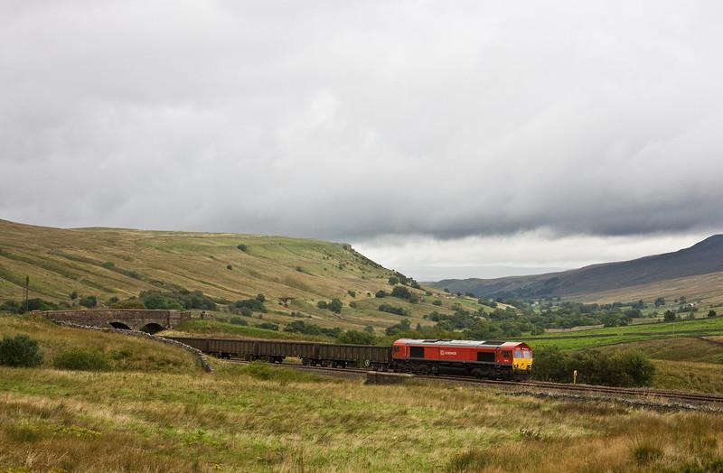 66118, 10.44 Newbiggin British Gypsum-Milford Sidings,West Yorkshire,  Ais Gill, 16-9-16, early.
