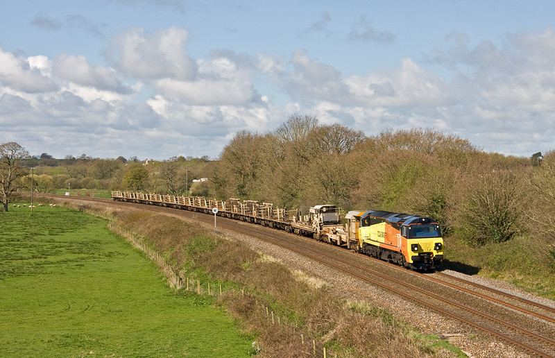 Newly-delivered 70812, 07.10 Par-Westbury, Ellerhayes, Silverton, near Exeter 2-4-17.