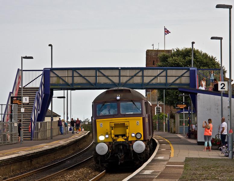 57313/57601, 17.00 Kingswear-Wolverhampton, The Dartmouth Royal Regatta Statesman, Starcross, 26-8-17.