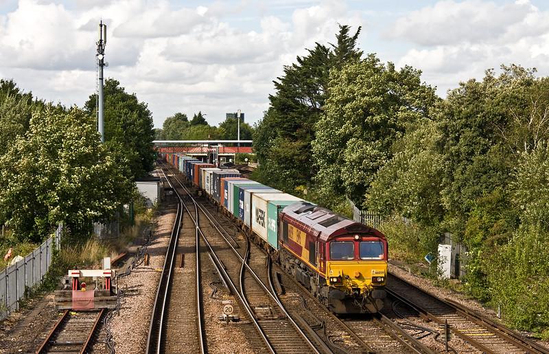 66059, 16.40 Eastleigh East Yard-Southampton West Docks, St Denys, Southampton, 1-8-17.