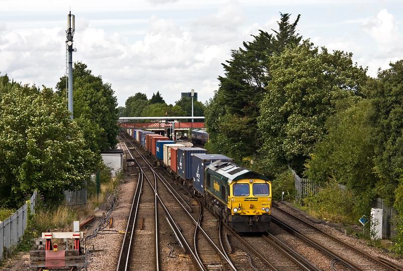 66571, 12.05 Daventry RFT-Southampton MCT, St Denys, Southampton, 1-8-17.