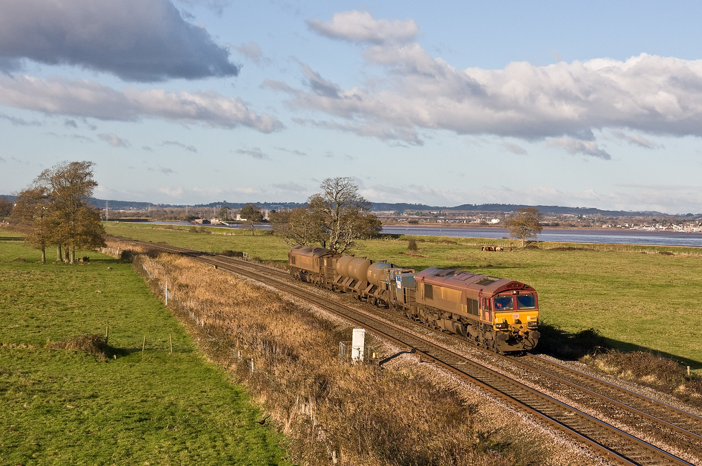 66127/66027, 08.50 Westbury-St Blazey, via Salisbury, Powderham, near Exeter, 1-12-17.