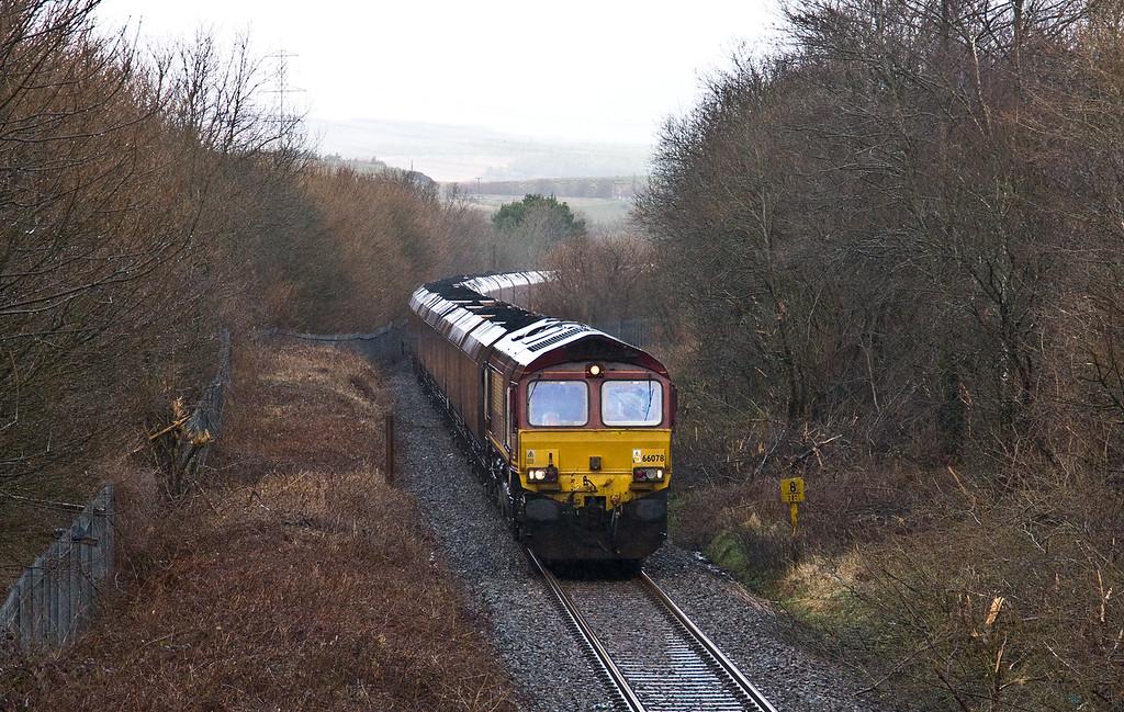 66078, 13.54 Onllwyn Washery-Immingham, Seven Sisters, near Neath, 28-2-17.