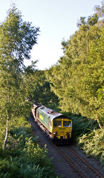 66519, 18.45 Cwmbargoed Opencast Colliery-Port Talbot Grange Sidings, Trelewis, near Nelson, 24-7-17.