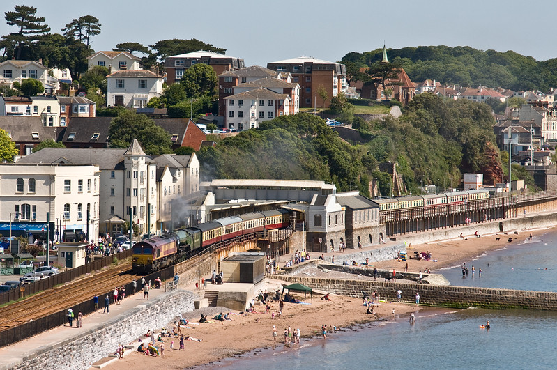 66102/60163, 08.00 Bristol Temple Meads-Kingswear, Torbay Express, Marine Parade, Dawlish, 18-6-17.