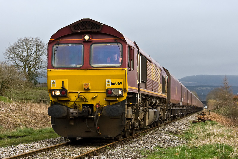 66069, restarting 11.27 Newport Alexandra Dock Junction Yard-Tower Colliery, Berthllwyd Farm Crossing, Hirwaun, 13-3-17.