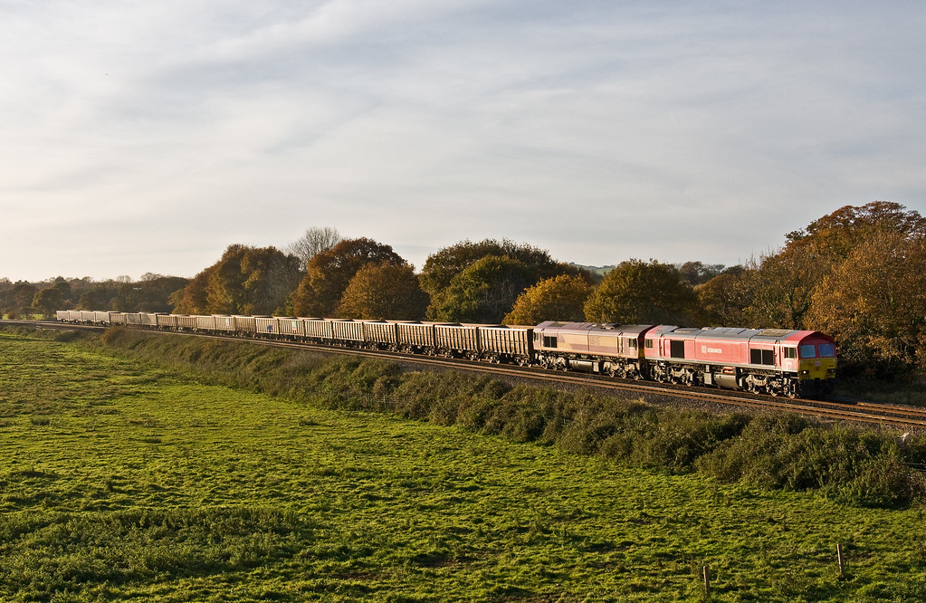 59204/66145, 13.44 Exeter Riverside Yard-Whatley Quarry, Silverton, 17-11-17. About 75min late after 59204 was revived.