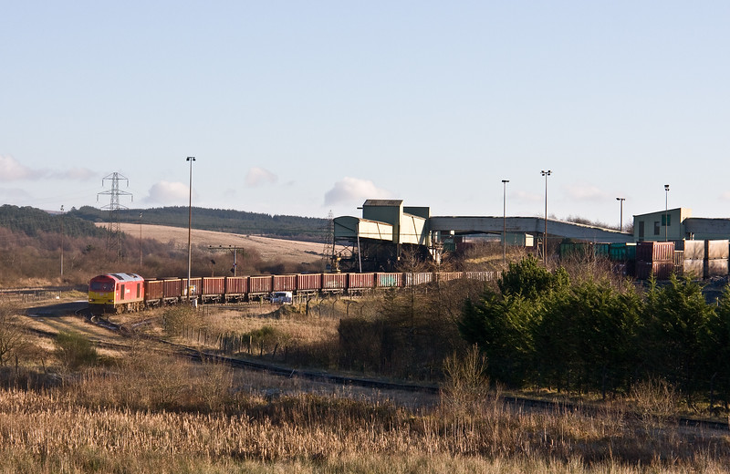 60001, unloaded 05.50 Swansea Burrows-Onllwyn Washery, Onllwyn, 29-11-17, reversing into holding siding.