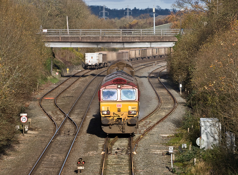 66127/66027, 08.50 Westbury-St Blazey, via Salisbury, passing Tiverton Loops, Willand, near Tiverton, 24-11-17.