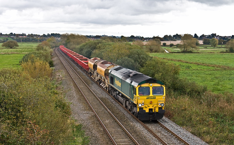 66542, 12.12 Westbury Yard-Taunton Fairwater Yard, Wick, near Langport, 10-10-17, 40min late. Loco worked light from Bristol earlier in the day and pushed 59204 from Wellington to Whiteball after the 59 stalled on the 05.22 Westbury-Exeter stone.