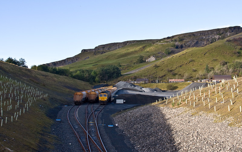 66742, 03.37 Doncaster Decoy Yard-Arcow Quarry, loading 11.25 Arcow Quarry-Bredbury, Manchester, 5-10-17.
