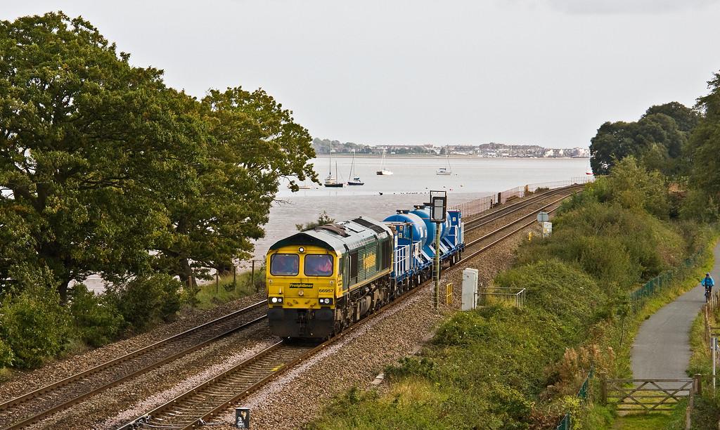66957, 13.20 Par-Exeter Riverside Yard, Powderham, near Exeter, 29-9-17 (56 late).