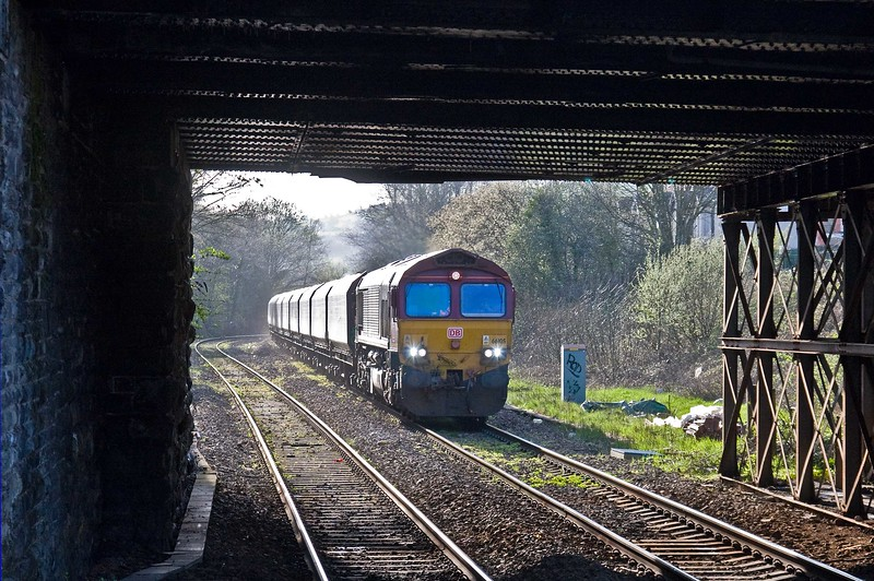 66105, 15.57 Cwmbargoed Opencast Colliery-Scunthorpe BSC, via Margam, Caerphilly, 18-4-18.