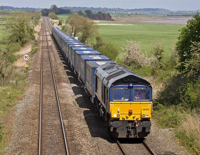 66425, 10.47 Daventry Railfreight Terminal-Cardiff Wentloog, Tidenham, near Chepstow, 26-4-18.