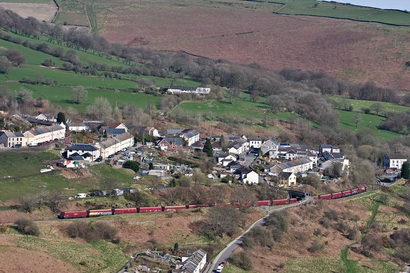 66105, 15.57 Cwmbargoed Opencast Colliery-Scunthorpe BSC, via Margam, passing Bedlinog, 18-4-18. From Merthyr Moor.