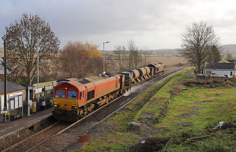66104/66200, 04.44 Plymouth Tavistock Junction Yard-Plymouth Tavistock Junction Yard, via Penzance and Crediton, Newton St Cyres, near Crediton, 3-12-18.