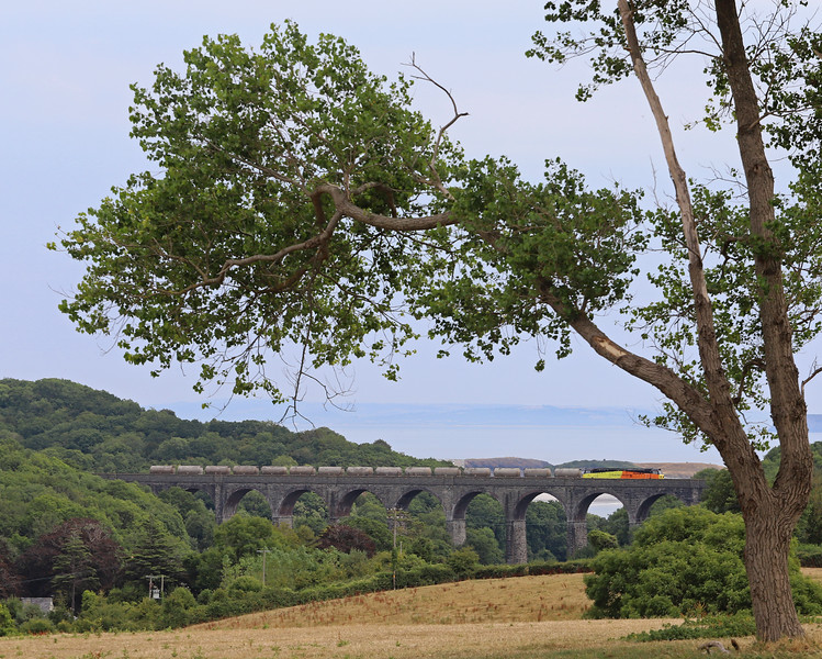 70815, 08.00 Moorswater-Aberthaw Cement Works, Porthkerry Viaduct, near Barry, 26-7-18.