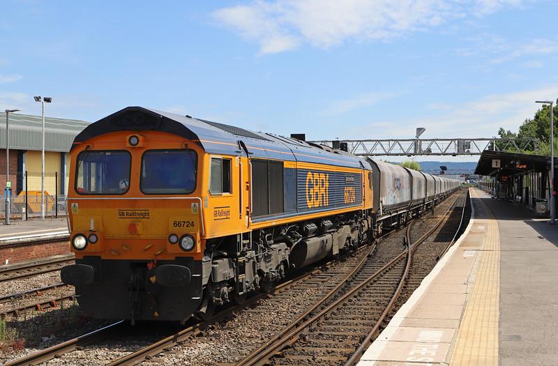 66724, 10.39 London Acton Yard-Cardiff Docks, Gloucester, 4-7-18. 150min early.