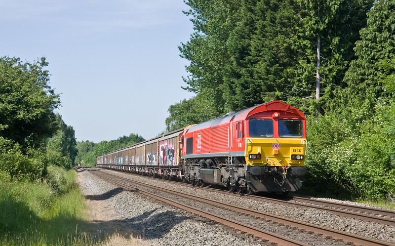 66137,  13.00 Burton-on-Trent Yard-Cardiff Tidal, Bullo Pill, near Newnham-on-Severn, 6-6-18.