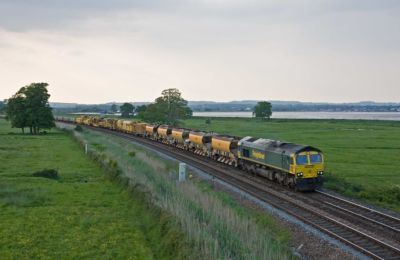 66568/66550, 18.32 Taunton Fairwater Yard-Plymouth Signal 132, Powderham, near Exeter, 21-5-18.