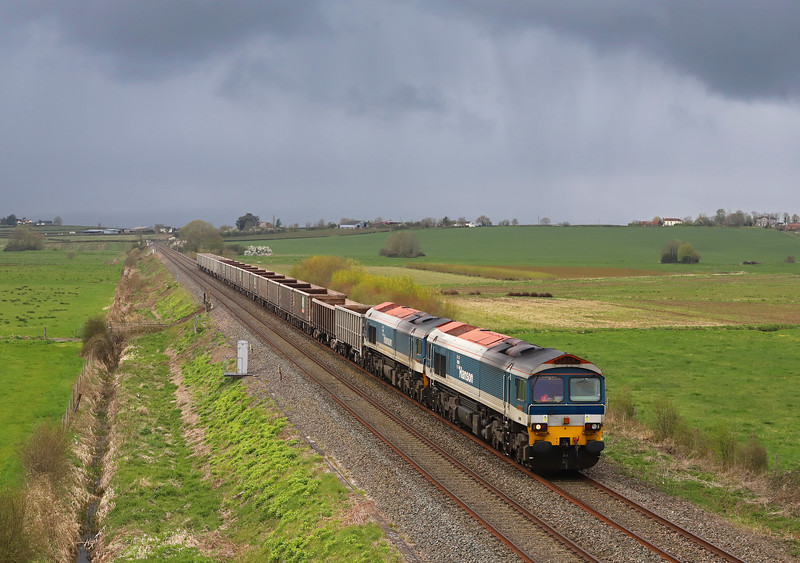 59101/59104, 13.44 Exeter Riverside Yard-Westbury Yard, Oath, near Langport, 3-4-19. Loaded train top'n'tailed to Exeter.