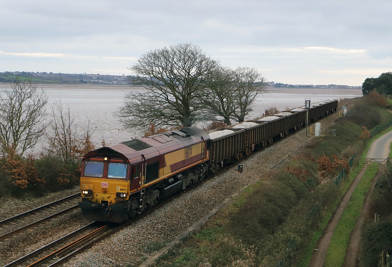 66174, 10.00 Burngullow-Exeter Riverside Yard, Powderham, near Exeter, 7-1-19. 35min late.
